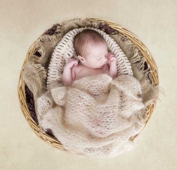 Newborn photographer West Midlands