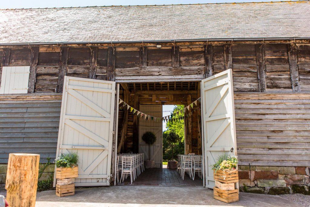 Barn wedding venues in West Midlands