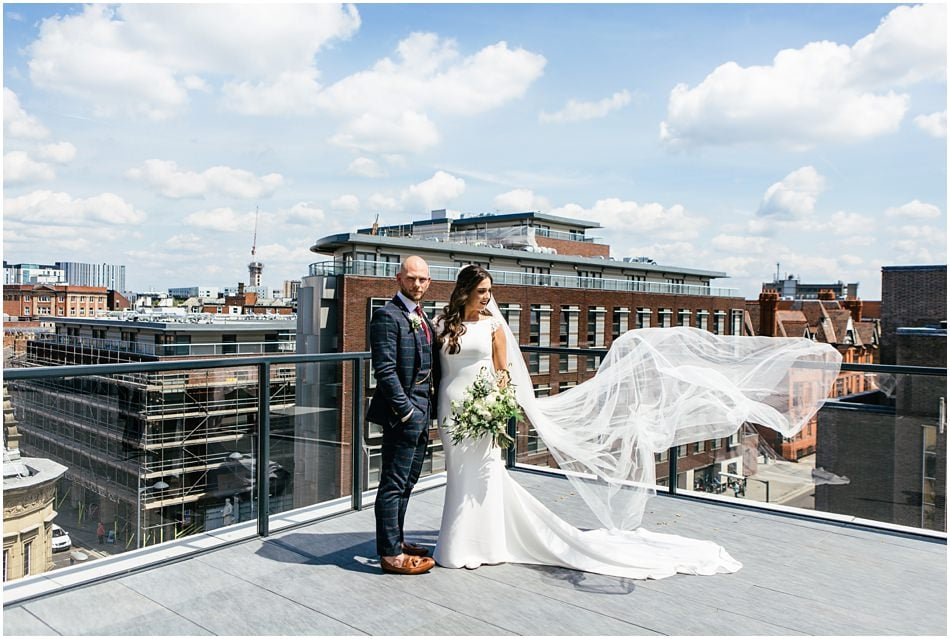 Relaxed wedding photography at Hope Street Hotel