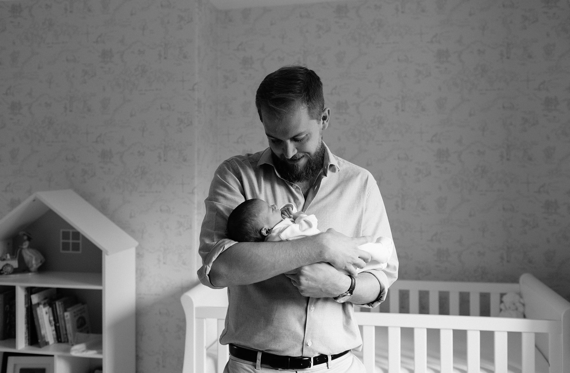 Natural newborn photography at home in Birmingham